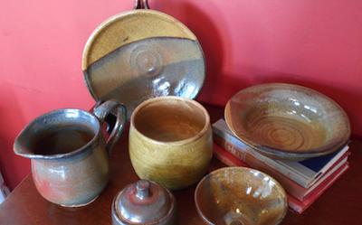Amy Weldon Pottery 2 400x250