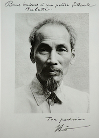 Viet Thanh Nguyen Ho_Chi_Minh_1946_and_signature