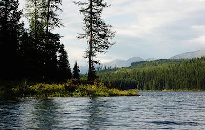 Pare_LakeMountains